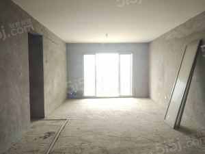 龙胤凤凰城三房两厅出售 看房提前联系
