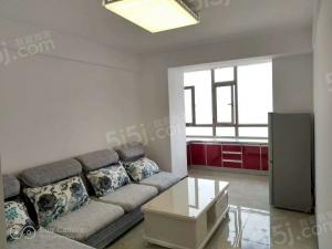 此房为南向二室一厅一卫,建筑面积为80平米