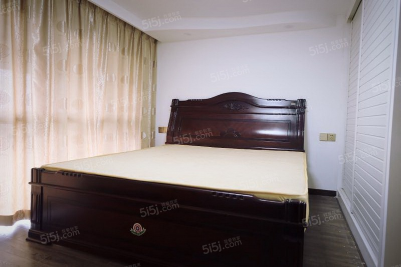 鑫都汇 万轮科技园 海威大厦附近 精装两室单身公寓可短租