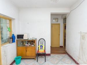 江海新村2楼看房方便 性价比高通透两房位置好