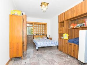 育 翔南北全明三居室 满五年一套 带名 额中间层看房方便