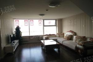 蓝庭公寓 交通便利 采光好 精装两室 看房方便