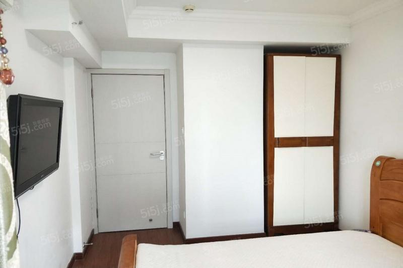 保利湾天地精装两房家具家电齐全看房方便随时入住